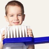 Детская чистка зубов