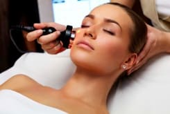 Когда следует начинать косметологические процедуры